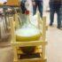 Han Herreds Biavlerforening er på besøg og brygger mjød af egen honning. Det er …